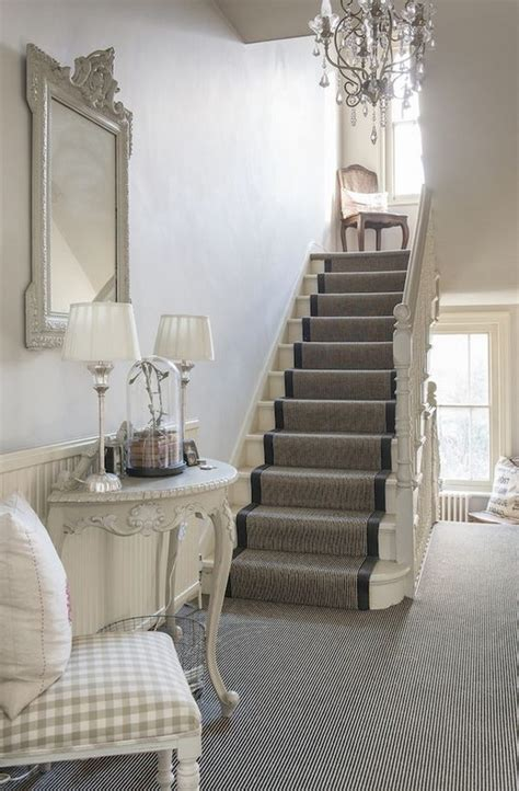 chic ways to decorate your staircase wall noted list