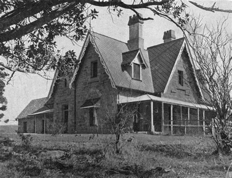 Attractive Perimeter Church School #5: StateLibQld_2_166099_Bardon_House_in_Brisbane,_ca._1930.jpg
