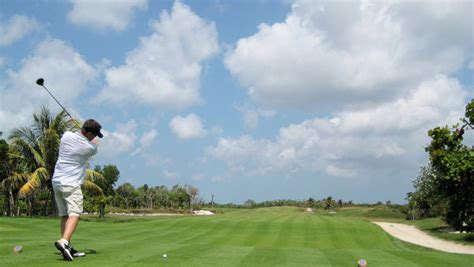 practice swings in golf practice your swing in bahamas golf clubs the bahamas