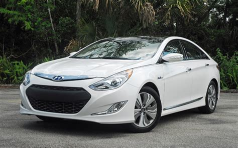 Hyundai Sonata Hybrid Limited by 2013 Hyundai Sonata Hybrid Limited Review Test Drive