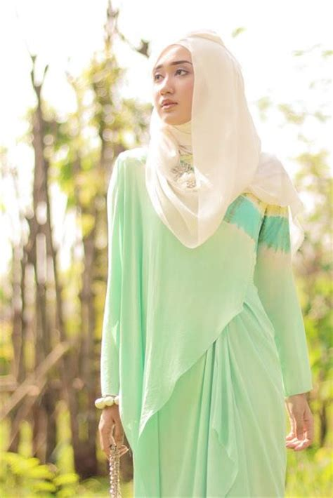 model baju lebaran dian pelangi 2016 trend model busana muslim 2016 warna warna pastel ayudha