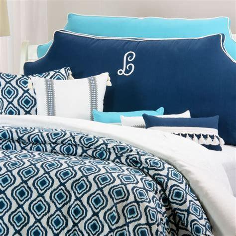 headboard pillow 25 best ideas about pillow headboard on pinterest