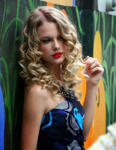 curly hairstyles taylor swift curly hair curly hair styles short medium to long hair