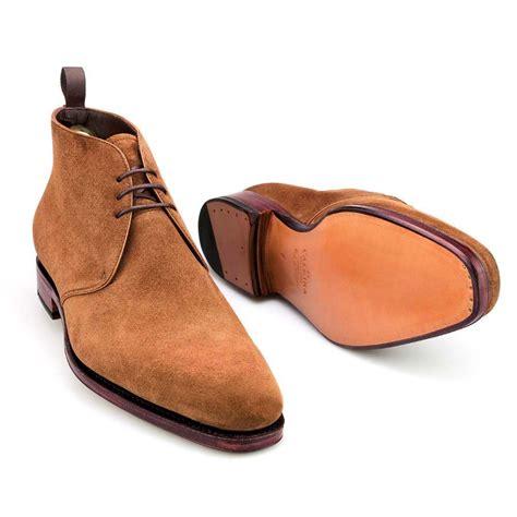 chukka boots in snuff suede carmina