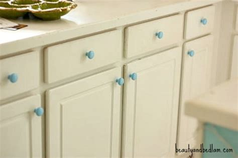 How To Spray Paint Cabinet Hardware by Spray Paint Brass Kitchen Knobs Spray Paint Kitchen