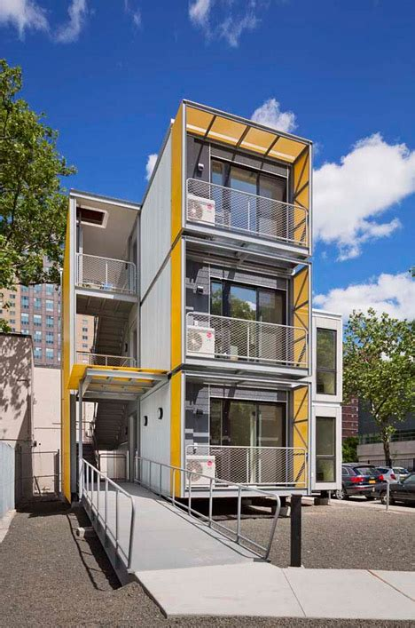 Pop Up Apartments: Post Disaster Housing Prototype for NYC