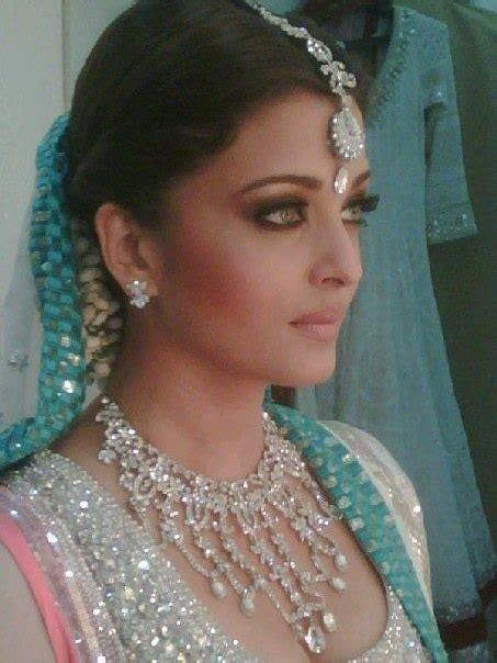 related pictures aishwarya rai wedding hairstyle bridal makeup beautiful aishwarya rai in bridal wear fashion style