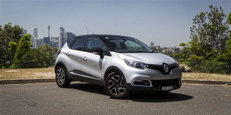 renault captur renault captur facelift and ev coming to geneva