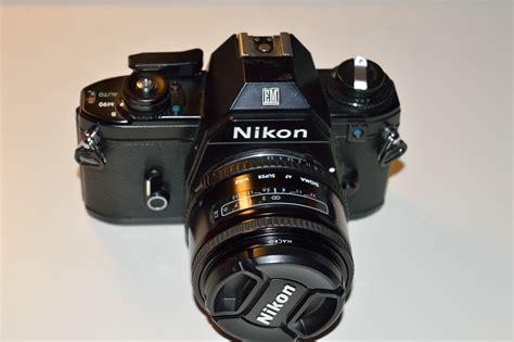 amateur nikon nikon em   film camera review