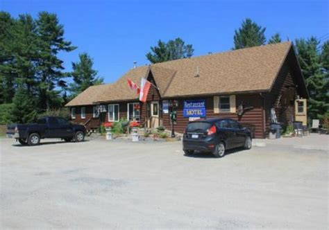 canoes dwight ontario hooked on canada spring lake resort and motel hooked