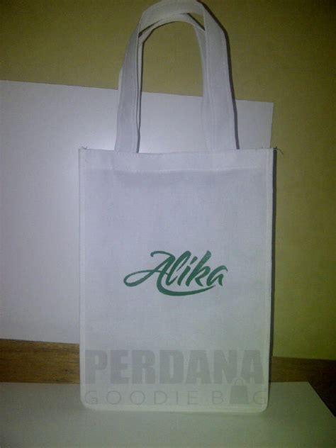 Tas Ulah Goodie Bag Souvenir Busur tas souvenir alika perdana goodie bag perdana goodie bag
