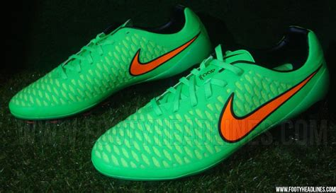 Sepatu Pria Sport Nike Bola Magista Made In 100 Import 2 sepatu futsal nike magista opus green hijau terbaru dan