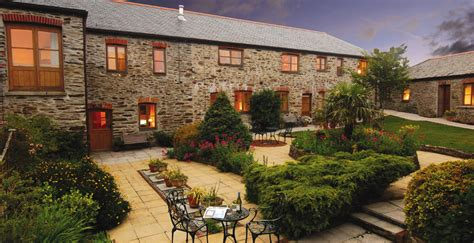 roseland cottages st mawes roundhouse barns self catering visit st mawes the roseland