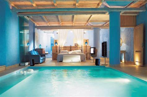 piscina in da letto con piscina le 10 stanze da letto pi 249 spettacolari