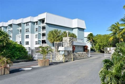 key west 3 bedroom rentals by the beautiful sea a key west beach front condo 3