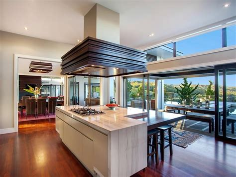 Kitchen Central Island | contemporary home in the hills