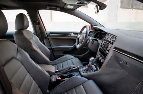 volkswagen golf gti 2015 interior 2015 volkswagen golf gti interior from passenger side photo 6
