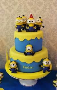 cake decorations minions best 25 minion cakes ideas on minions