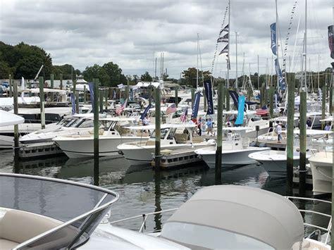 boat buyers show video norwalk boat show draws buyers
