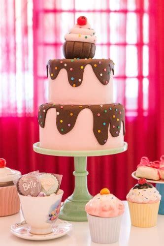 como decorar um bolo pasta americana aprenda a decorar um bolo pasta americana para festas