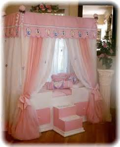 Princess Canopy Bedroom Set Disney Princess Canopy Bedding Bed Canopy