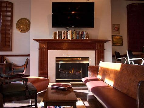 Fireplace Lounge Dallas by These Dallas Bars Warm You Up In More Ways Than One