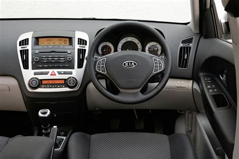 kia ceed sw   review parkers