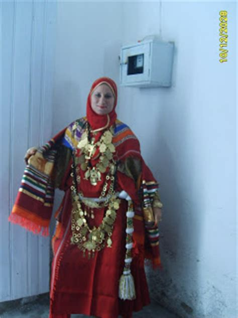 vetement traditionnel tunisienne oasis quelques v 234 tements traditionnels tunisiens