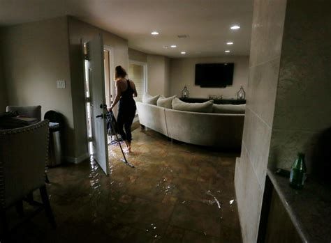 Mixed Memorable 9 Tx Oceanseven houston flood efforts fall sprawl daily mail