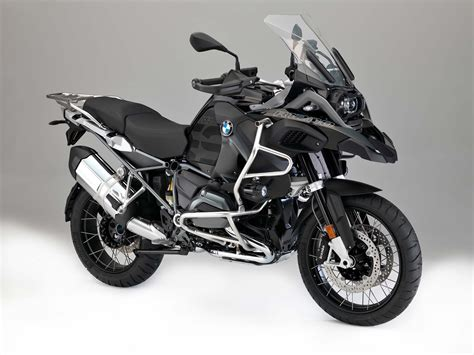 Motorrad Bmw 1200 Gs by Bmw Announces 2017 R1200 Series Updates Motorcycle News
