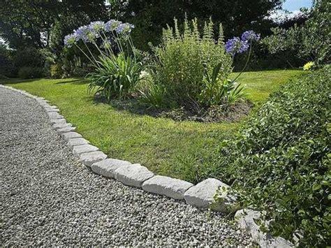 in giardino vialetto in giardino
