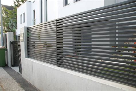zaun löwe one of our last projects modern horizontal aluminum fence