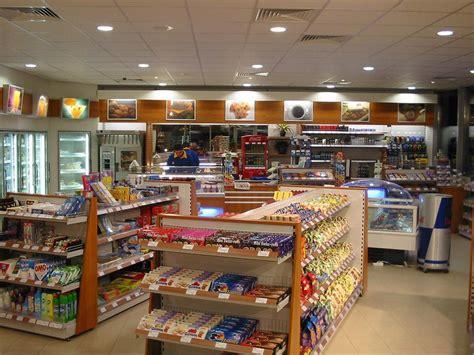 layout toko supermarket 8 cara menata toko kelontong modern rajarak co id rak