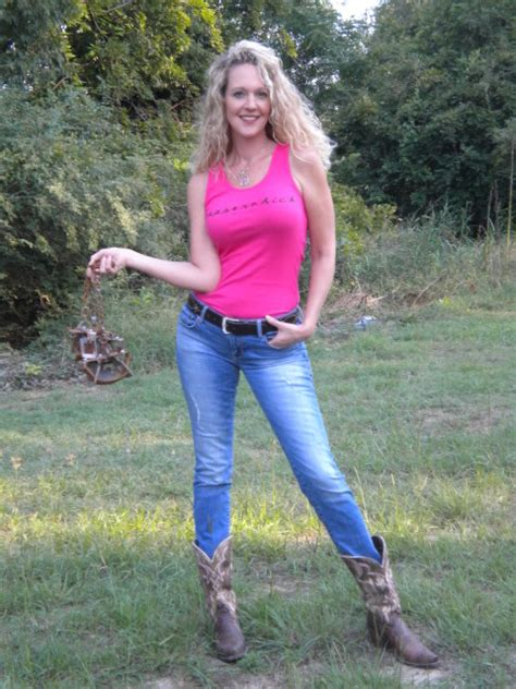 Exposed Again Danas Dirt by Coyote And Bobcat Trapping With Trapperchick How To Trap