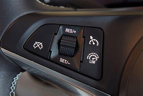 Versicherung Zweites Auto by Unfall Durch Autopilot Versicherung Springt Ein Kfz