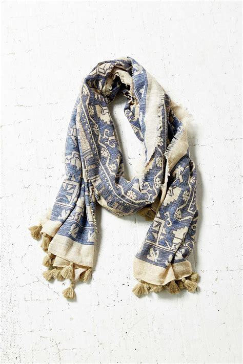 10 scarves for fall how to simplify