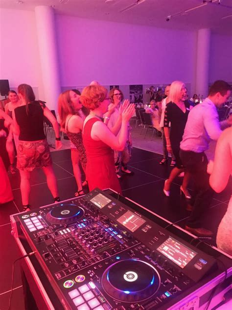 Wedding Dj Sydney  Hire Professional, Experienced and