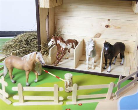 pferdestall selber bauen und zubehoer fuer den ponyhof