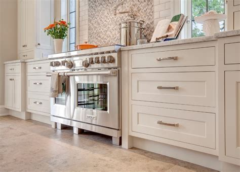 professional painting kitchen cabinets how to paint your kitchen cabinets like a professional
