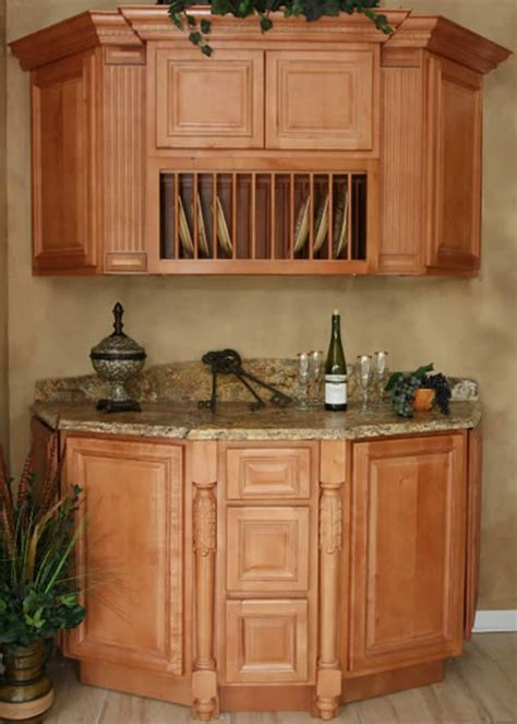 honey colored kitchen cabinets this pic shows that lighter colored granite can pop with