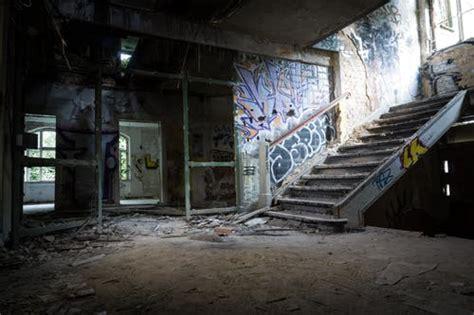 beautiful abandoned building  pexels