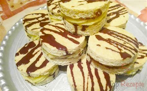 originelle kuchen rezepte originelle biskuit h 228 ppchen mit vanillecreme top rezepte de