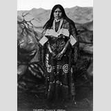 Iroquois Clothing | 437 x 640 jpeg 28kB