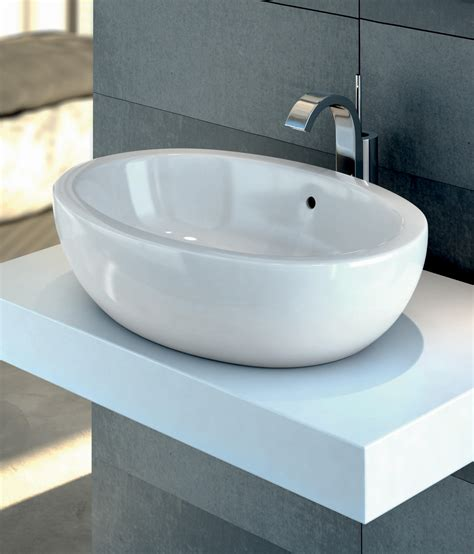 STRADA DUO BADEWANNE 1700 X 750MM   Built in bathtubs from