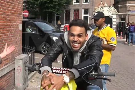 chris brown high as a kite during traffic stop in amsterdam