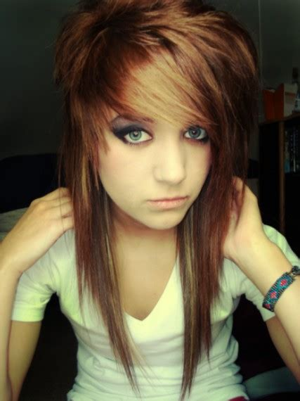 Emo Chick Hairstyles | emo hairstyles for girls latest popular emo girls