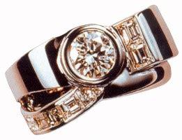 gold ring by prado
