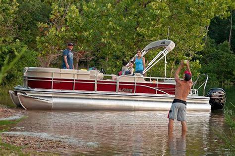 2016 lowe ss250 rfl 26 foot 2016 lowe ss boat in