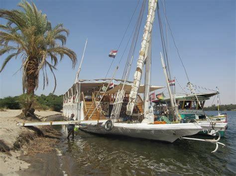 boat trip up the nile sail down the nile on a dahabiya boat trip101