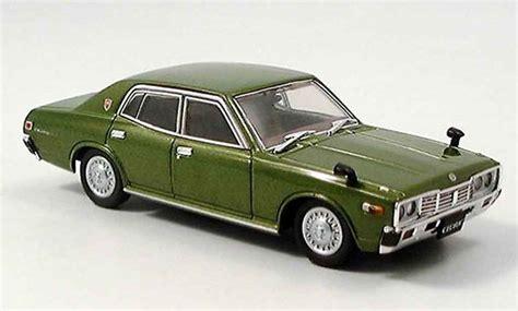 nissan cedric 330 nissan cedric 330 miniature verte 1977 aoshima 1 43